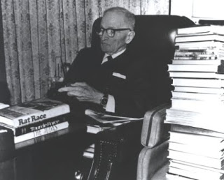 """""""Not all readers are leaders, but all leaders are readers.""""- Harry Truman"""