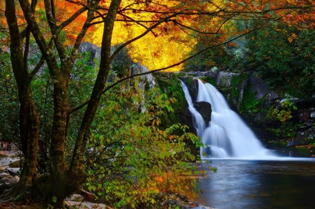 - It doesn't get much prettier than this. Abrams Falls in Great Smoky Mountains National Park. Tweeted by US Dept of Interior 9/16/13.