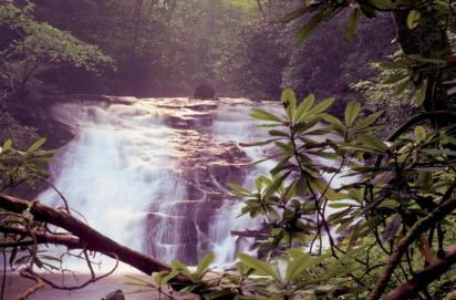 Indian Creek Falls is one of 2 waterfalls that you can enjoy on an easy 1.6 mile roundtrip hike in the Deep Creek area. From the National Park Service website.