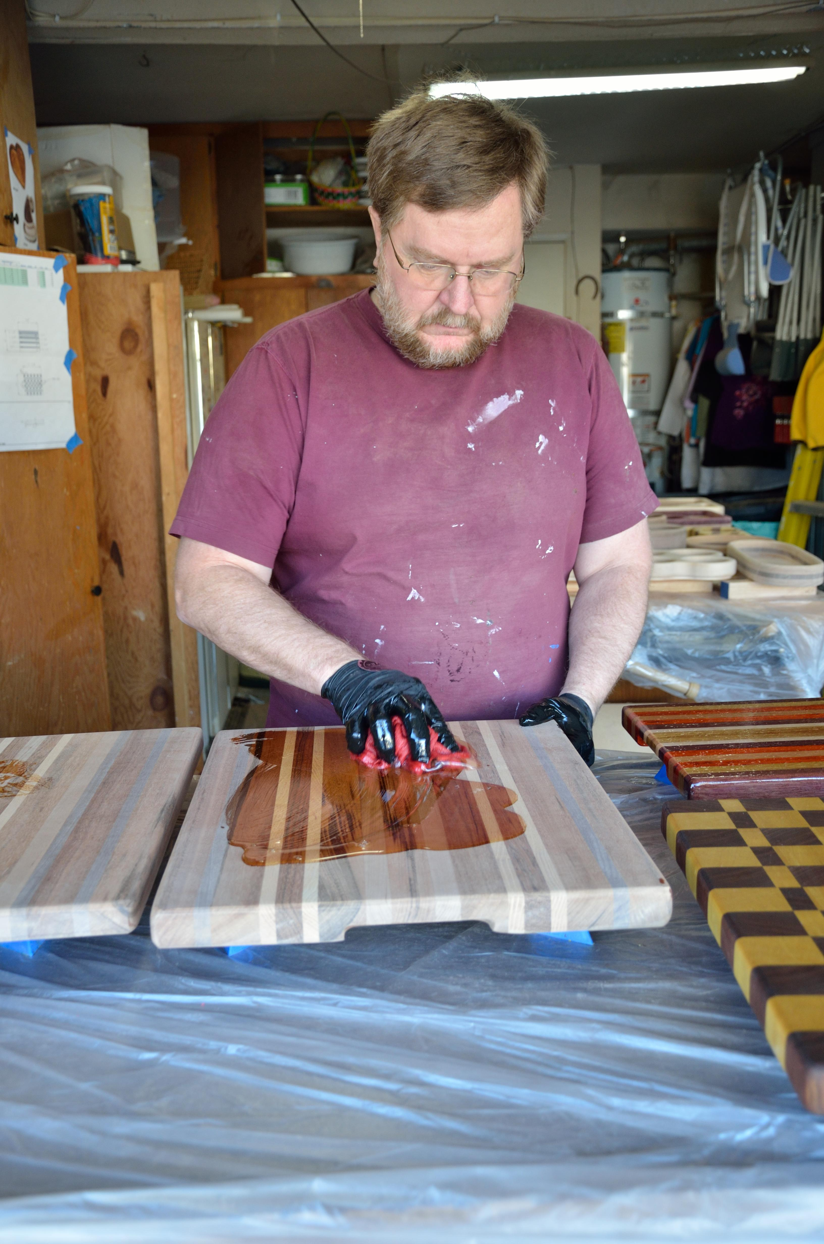 how to make a cutting board from raw wood