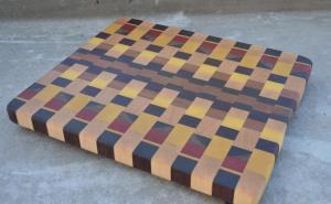 End Grain. Hard Maple, Walnut, Yellowheart, Padauk, Cherry. Cutting Board # 13.
