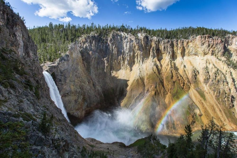 Yellowstone National Park, Uncle Tom's Trail. Tweeted by the US Department of the Interior, 9/8/14.