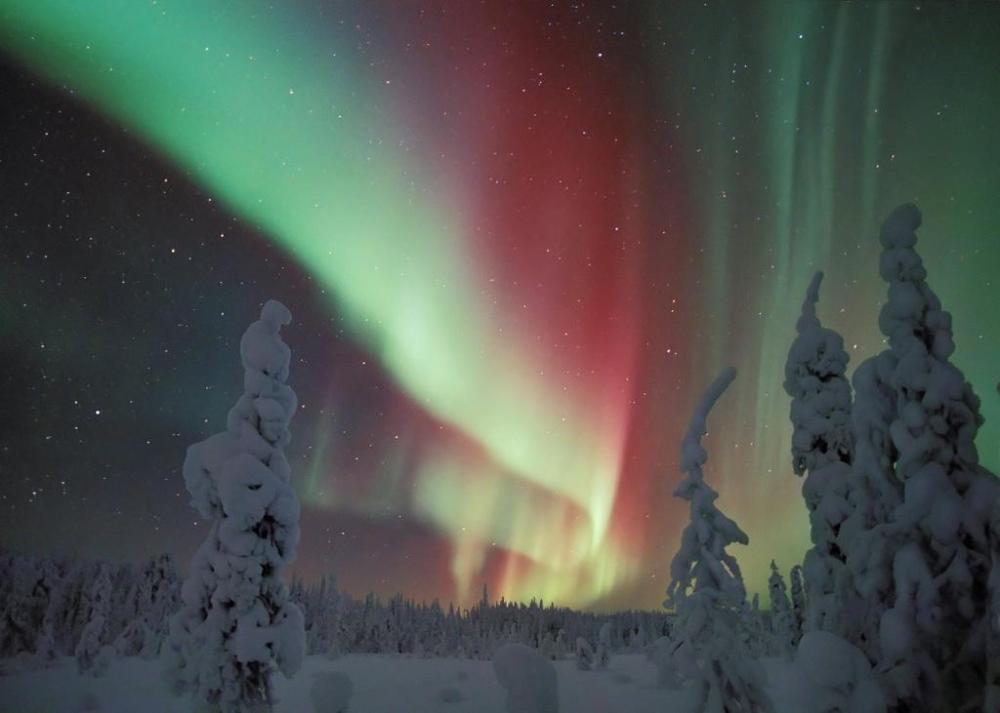 Here's an amazing display of the northern lights over Kodiak National Wildlife  Refuge in Alaska.