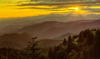Long-range vistas, rolling mountains and pastoral landscapes, Blue Ridge Parkway is America's favorite drive, and we can definitely see why. Blue Ridge meanders for 469 miles, connecting Shenandoah National Park in Virginia and Great Smoky Mountains National Park in North Carolina and providing opportunities for enjoying all that makes this region so special. Sunset from the Parkway by Chris Mobley. Posted on Tumblr by the US Department of the Interior, 5/3/15.