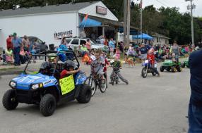 Graham Street Fair Parade 03