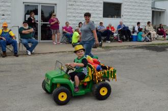 Graham Street Fair Parade 06