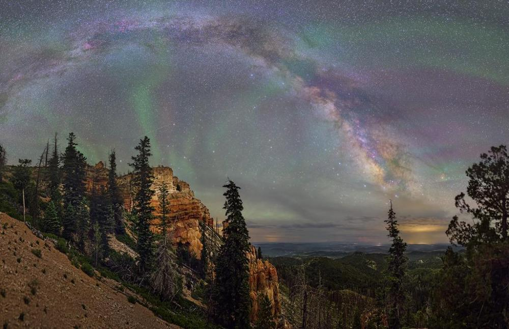 Incredible photo of the Milky Way over Bryce Canyon National Park by David Lane. Tweeted by the US Department of the Interior, 10/13/15.