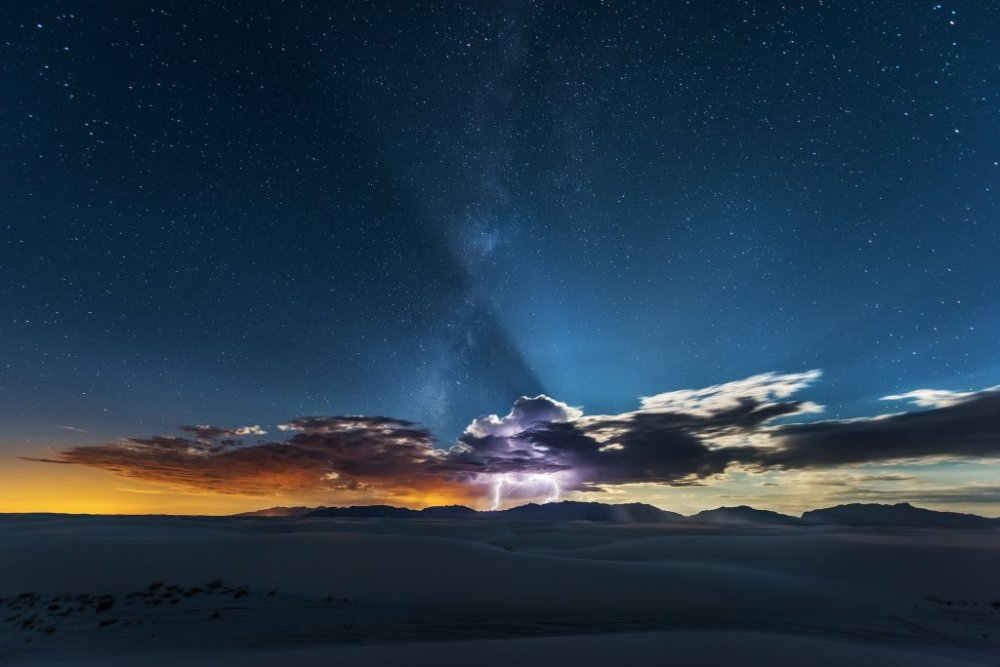 An epic shot of lightning & the Milky Way over White Sands National Park. Photo by Mike Mezeul II. Tweeted by the US Department of the Interior, 1/25/16.