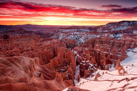 Sunset Point, Bryce Canyon National Park. Photo by Kuang-Yu Jen. Tweeted by the US Department of the Interior, 2//16.