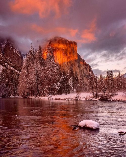 A jaw-dropping winter sunset at California's Yosemite National Park. Tweeted by the US Department of the Interior, 2/6/17.