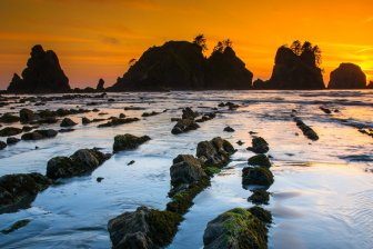 Sunset over Washington's Olympic National Park. Tweeted by the US Department of the Interior, 5/5/17.